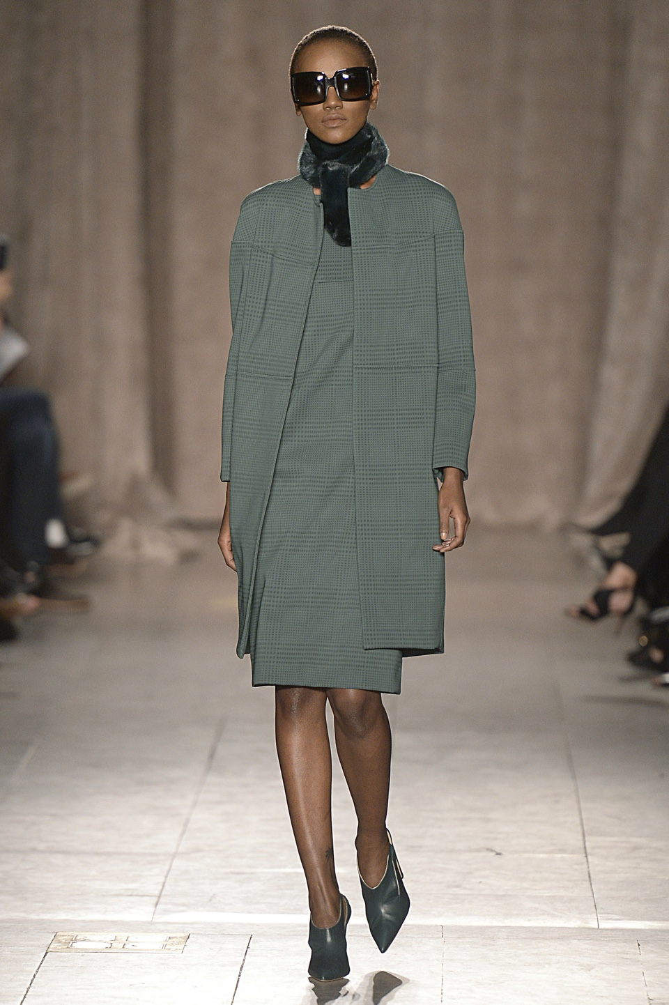 zac-posen-runway-rtw-fall-2015-new-york-fashion-week-1-3
